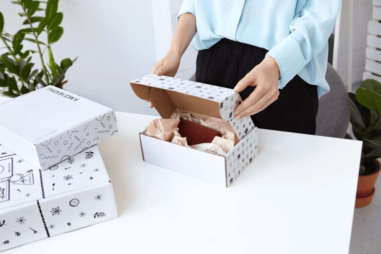Read more about the article WHY CUSTOM PRINTED PAPER BOXES AND PACKAGING IS IMPORTANT?